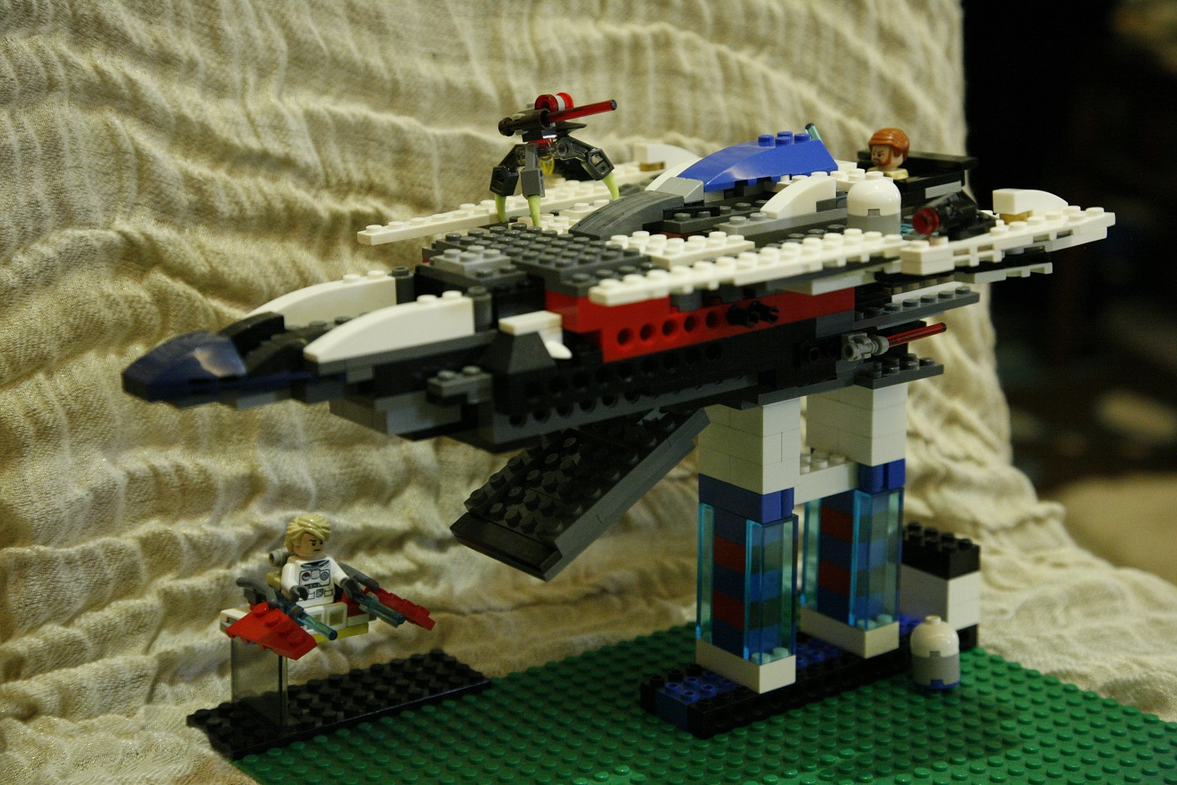 JJlego1_Obi-Wan's Interceptor (Improved version), in the battle with the evil spider thing. Get him, ...